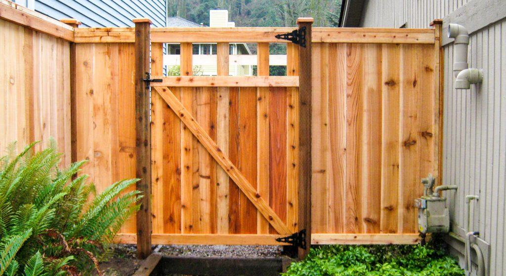 Wood Fence Is A Very Popular Fence Option For Homeowners Because Of Its  Height And Privacy Options Or Because It Looks Natural And Rustic.
